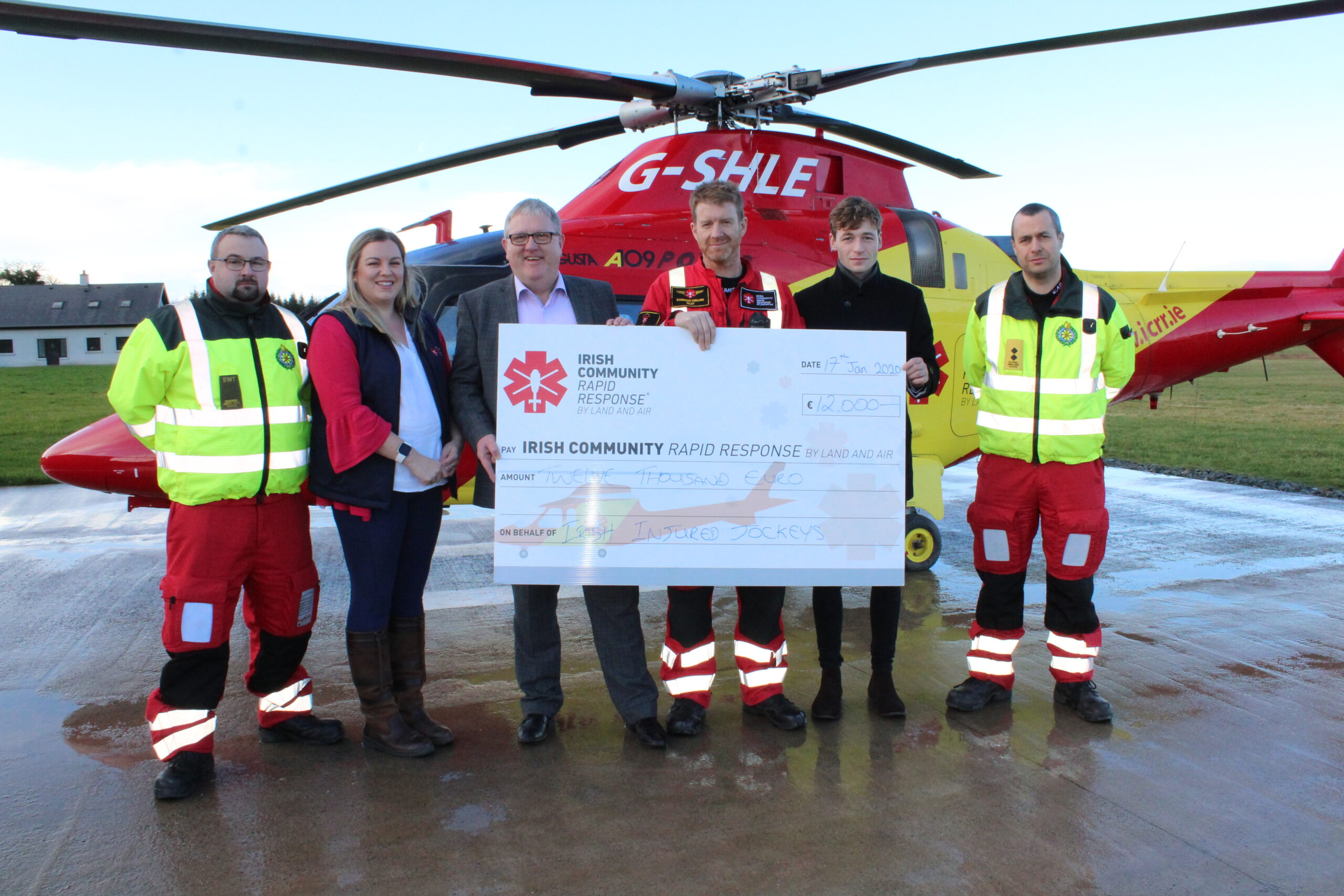 Irish Injured jockeys show thanks to charity Air Ambulance through €12,000 donation